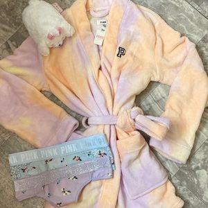 Pink robe set